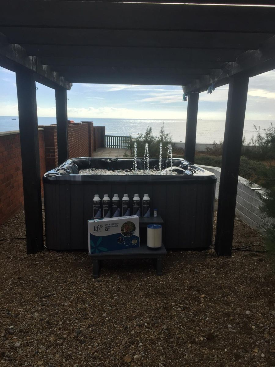 6 Seat hot tub, hot tubs, hot tub, 6 seat plug and play hot tub