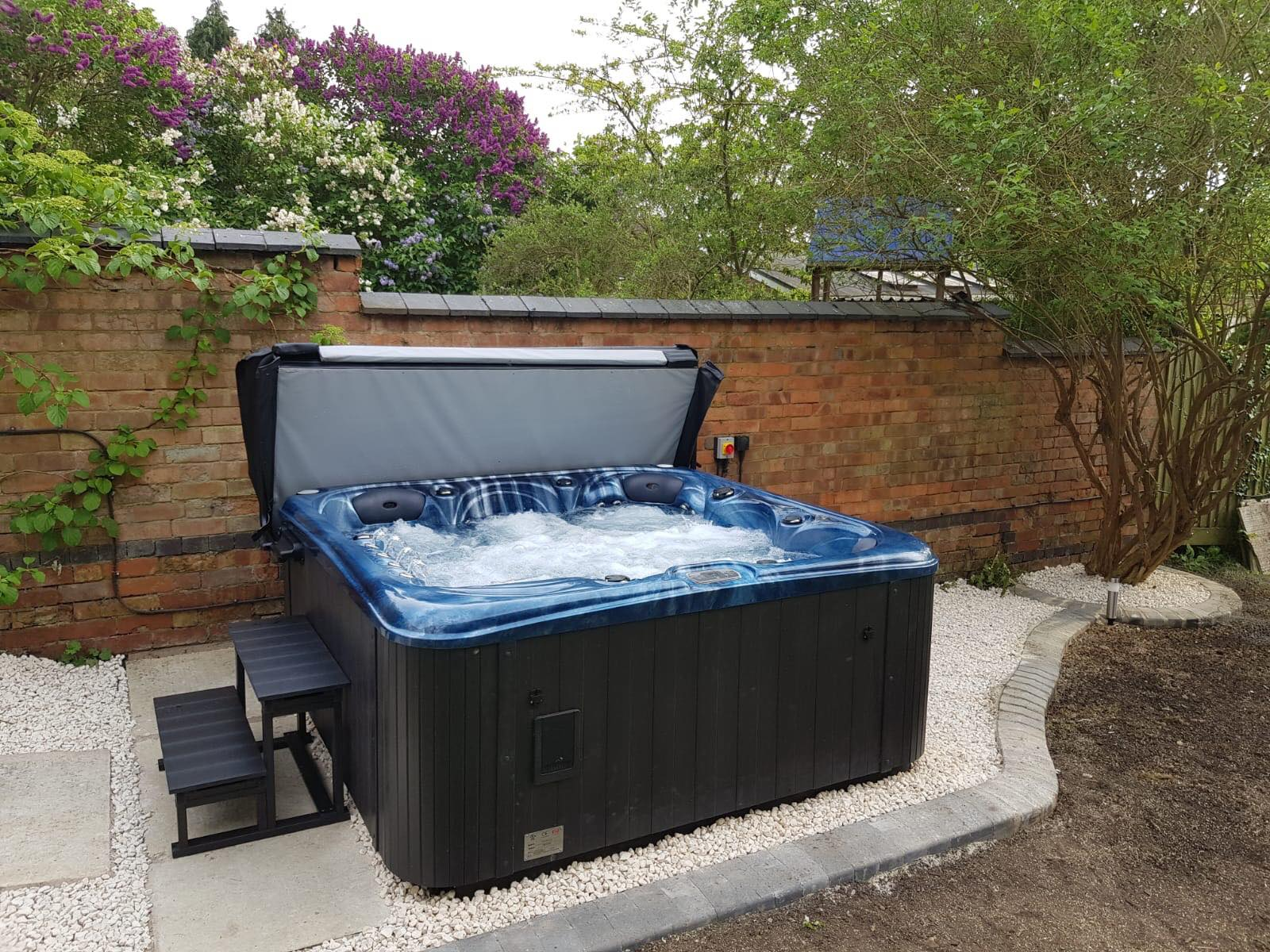 hot tubs, hot tub, 6 seat hot tub